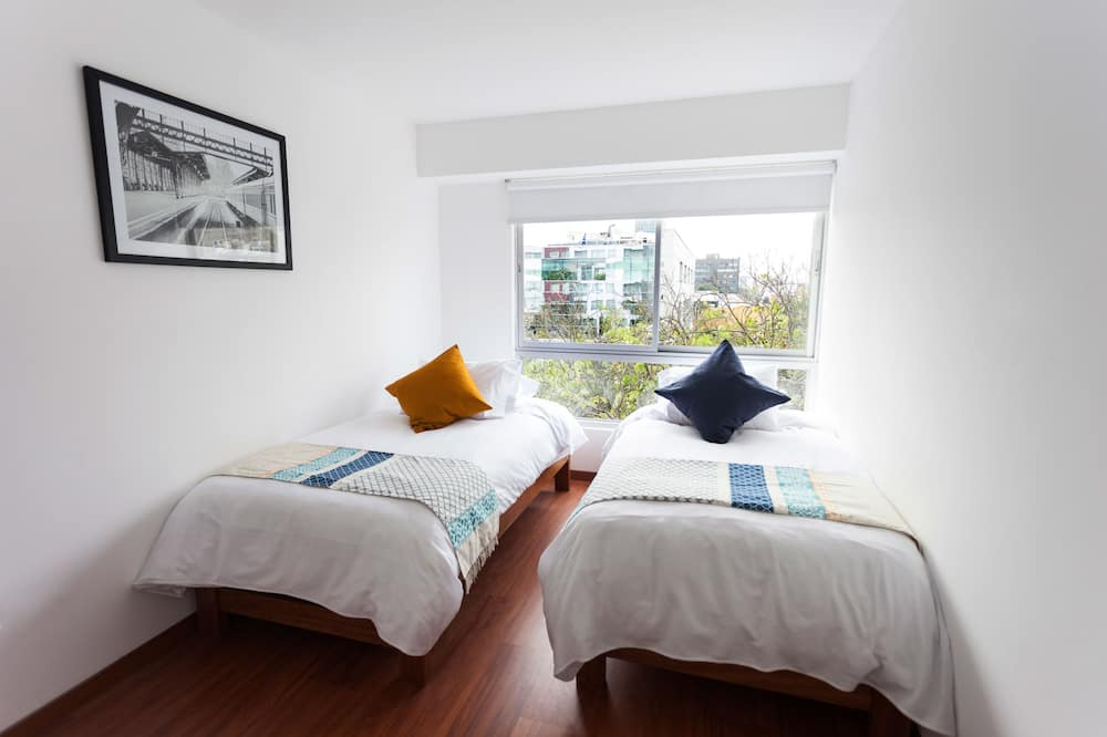 City Apartment, 2 Bedrooms, Balcony (1 Queen and 2 Single Beds) - Children's Theme Room