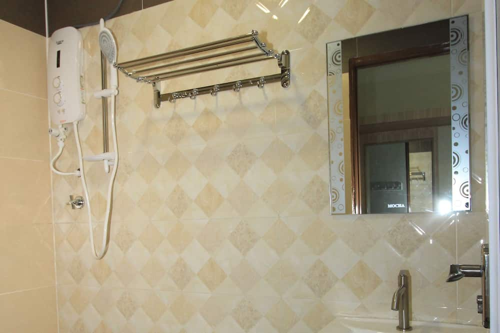 Standard Double Room, 1 Queen Bed, No Windows - Bathroom