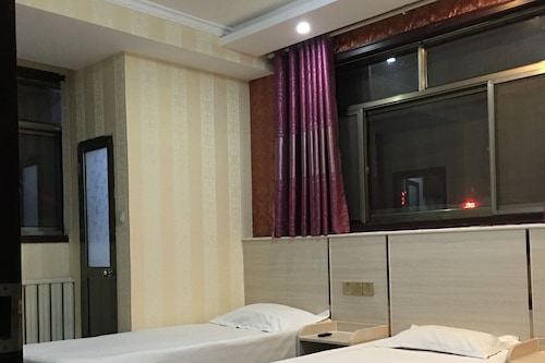 โรงแรมชวีฟู