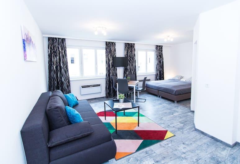 CheckVienna - Reschgasse, Vienna, Comfort Apartment, Kitchen, Living Area