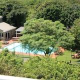 Luxury Apartment, 3 Bedrooms - Outdoor Pool