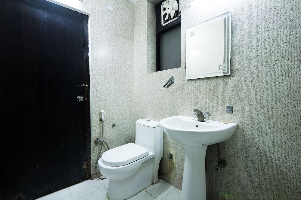 Deluxe room with Airport pick up - Bathroom