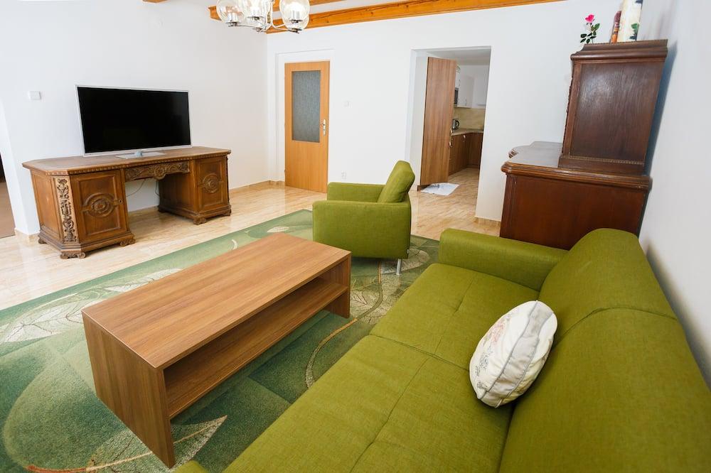 디럭스 스튜디오 스위트, 침실 1개, 간이주방, 산비탈 - 거실 공간