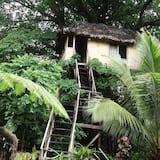 Luxe boomhut, 1 queensize bed, privébadkamer, uitzicht op bergen - Uitgelichte afbeelding