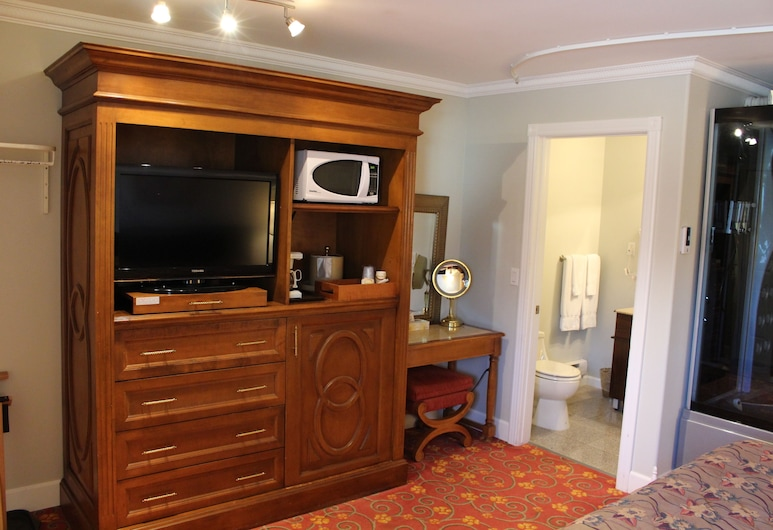 Stay Easy Inn, Roblin, Room, 1 King Bed, Jetted Tub, Guest Room