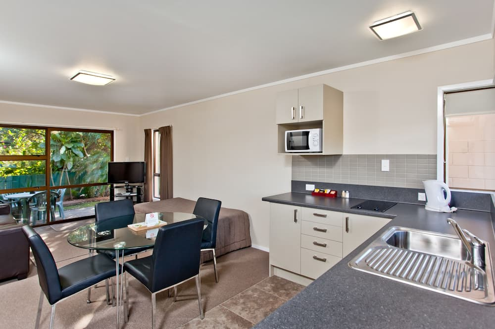 Family Room, 1 Bedroom - Living Area