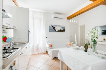 Picture of Florence Liona Apartments in Florence