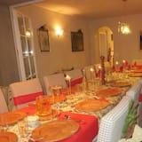 Villa, 6 habitaciones - Servicio de comidas en la habitación
