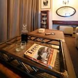 Розкішне шале, 1 спальня, з видом на річку, з виходом до озера - Вітальня
