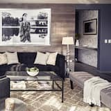 City Suite, 2 Bedrooms, 2 Bathrooms - Living Area