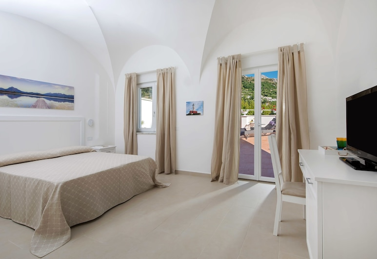 Villa Pollio Guest House, Anacapri, Superior Double Room, Mountain View, Guest Room