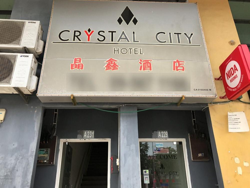 Crystal City Hotel Kuantan Entrance