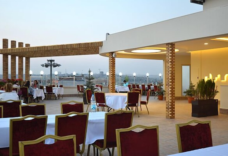 Hotel Tilmen, Gaziantep, Restaurante al aire libre