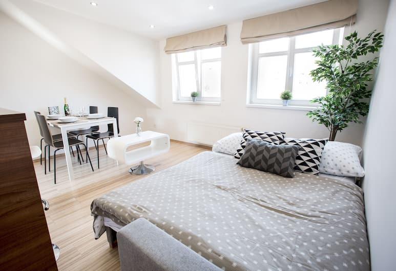 QIK Apartments, Прага, Лофт, 1 спальня, вид на внутренний двор, Номер
