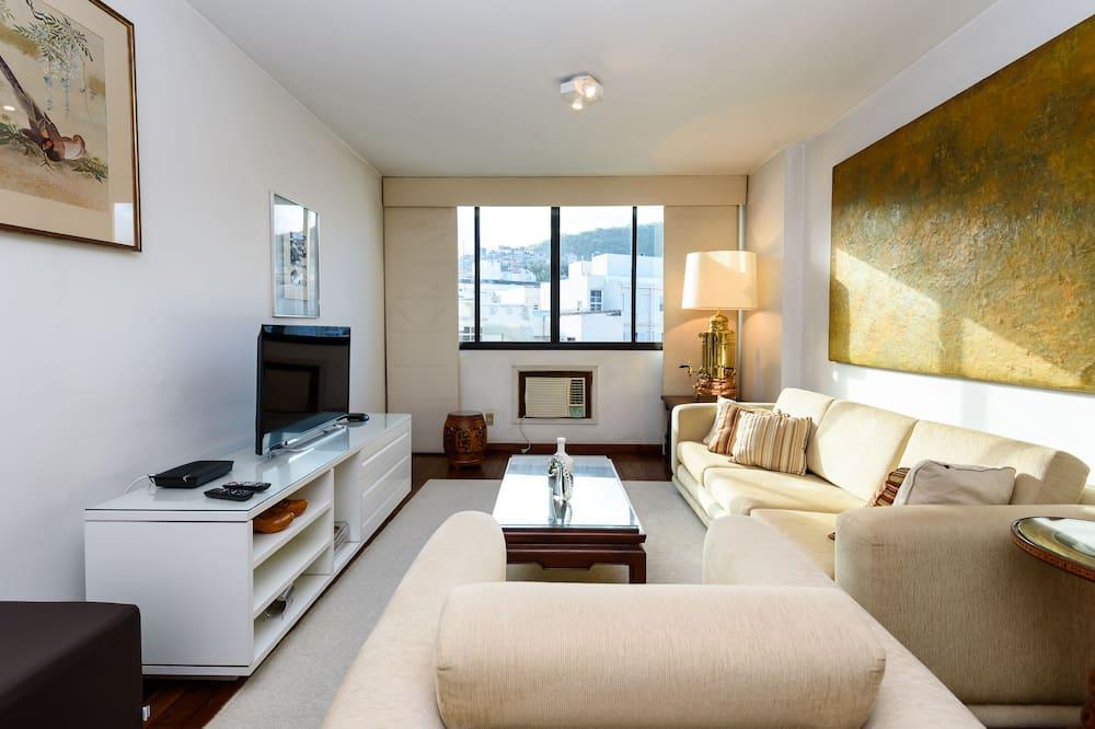 Apartemen Klasik, 1 kamar tidur, akses ke kolam renang, pemandangan kolam renang - Ruang Keluarga