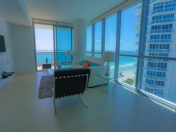Obrázek hotelu Suite Life Miami at The Monte Carlo ve městě Miami Beach