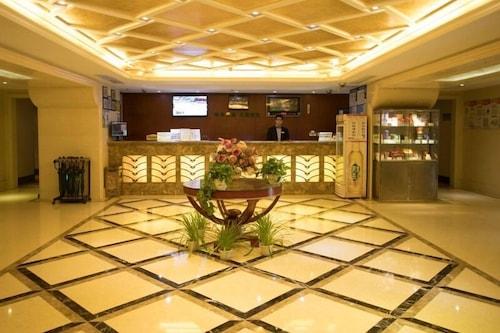 格林豪泰蘇州火車站北廣場好百年婚紗城快捷酒店/