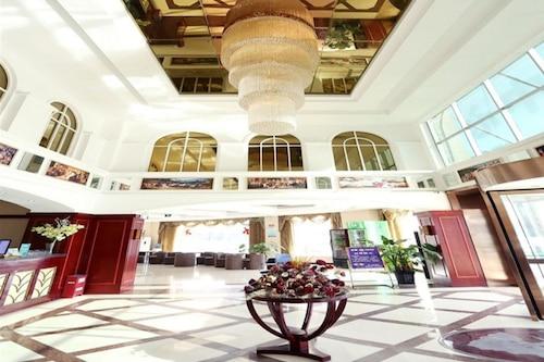 格林豪泰阜陽市太和縣細陽南路商務酒店/