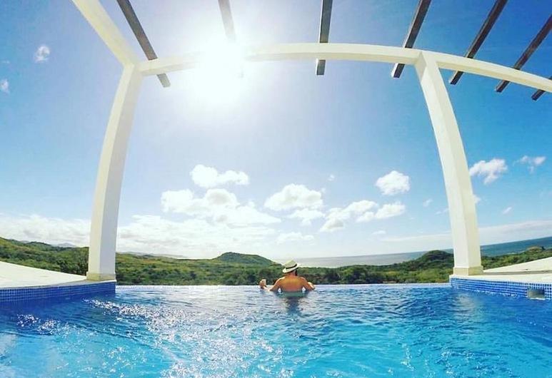 Surf Ranch Resort - Emerald Coast, Tola, Outdoor Pool