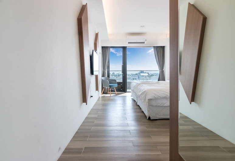 342 EVERGREEN HALL, Taitung, Large Double Room with Balcony , Guest Room