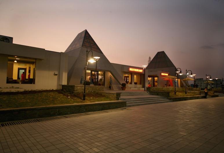 Sentosa Resorts and Water Park, Paud