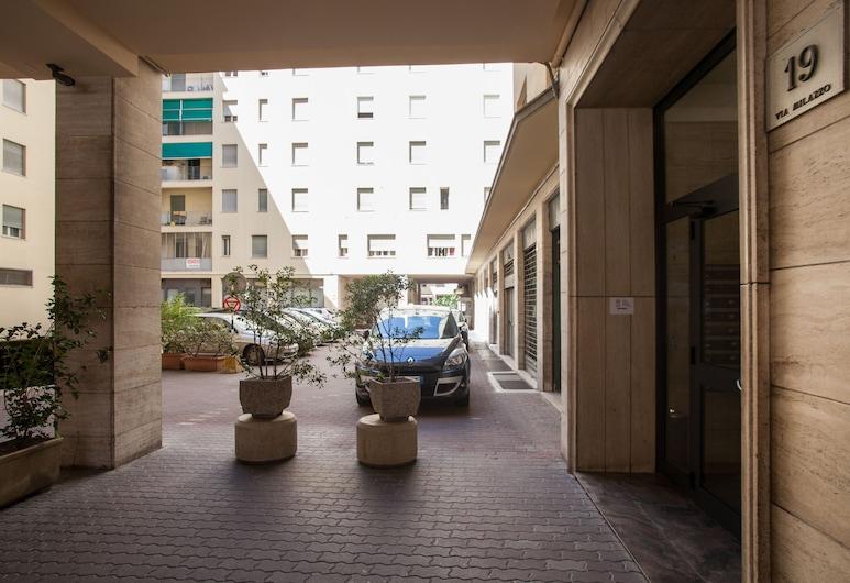 Astoria Suite Apartments, Bologna, Ingresso della struttura