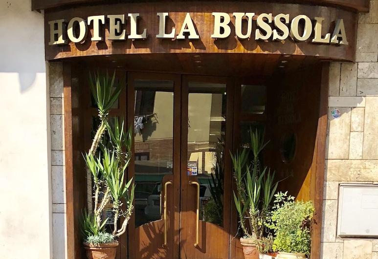 Hotel La Bussola, Anzio, Hotellets indgang