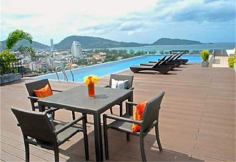 Bliss Patong Modern 1 bedroom Apartment, Patong, Buitenzwembad