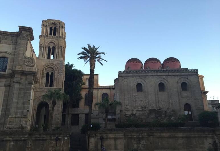 Picasso B&B, Palermo, Esterni