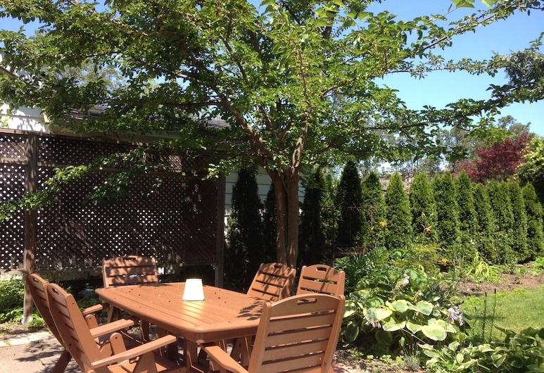 Sunnyside Niagara Cottage, Niagara-on-the-Lake, Speisen im Freien