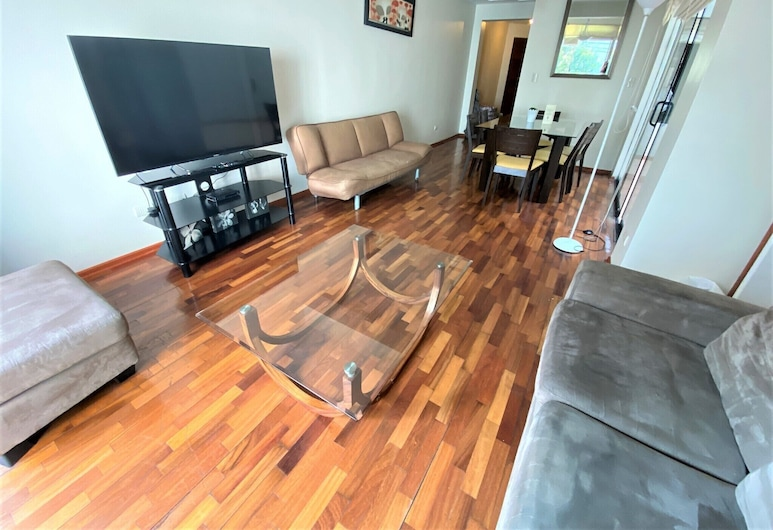 Private Apartment with Balcony , Lima, City Apartment, 4 Bedrooms, Kitchen, Ground Floor, Living Room