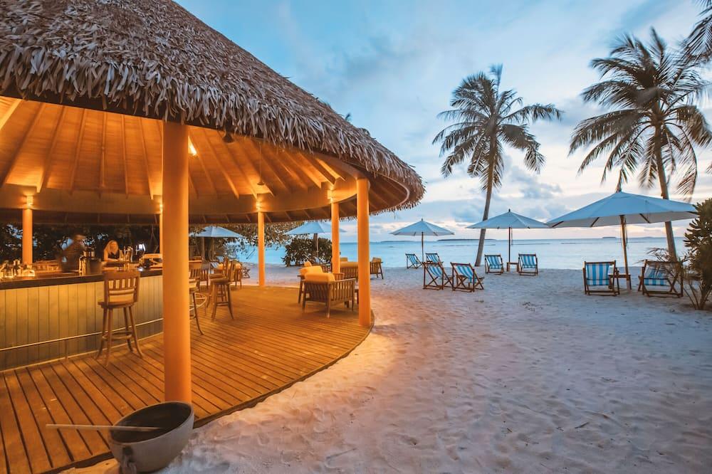 Plaj barı
