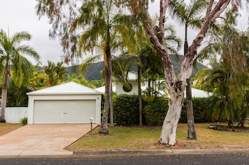 Picture of Casa Breeze Luxury House in Palm Cove