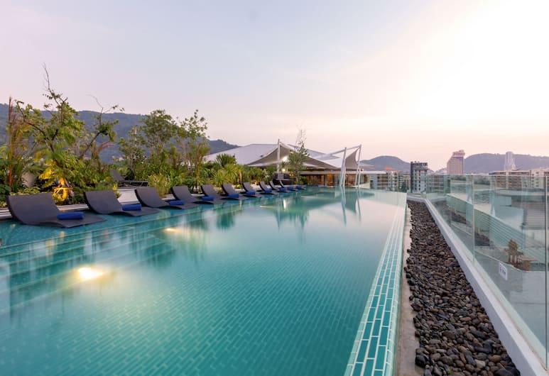Oakwood Hotel Journeyhub Phuket, Patong, Rooftop Pool