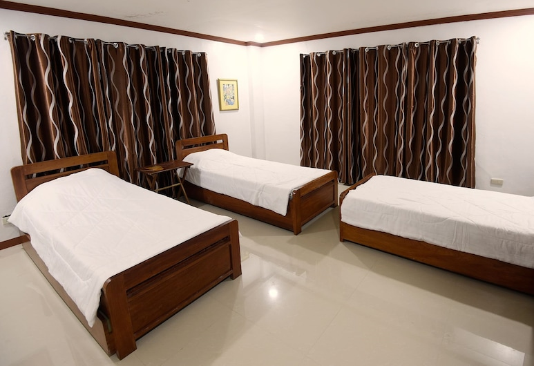 VMC Vacation Home, Baguio, Room 1, Shared Bathroom, 3 Single beds and 3 Trundle beds, Ground Floor, Guest Room