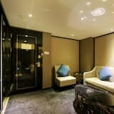 Deluxe Business Suite - Living Room