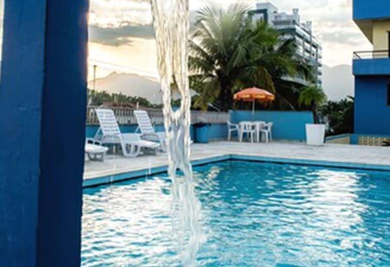 27 Praia Hotel, Bertioga, Vodopád v bazéne