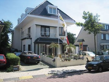 Picture of Pension Villa Tanahlot in Zandvoort