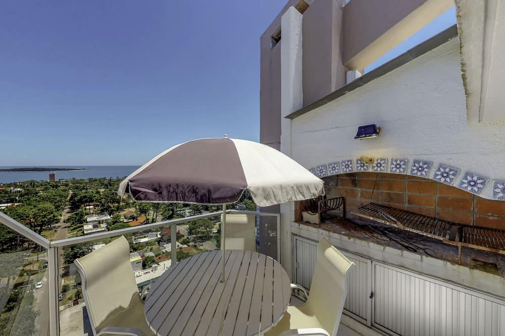 Penthouselejlighed - 3 soveværelser - 2 badeværelser - udsigt til bugt - Altan