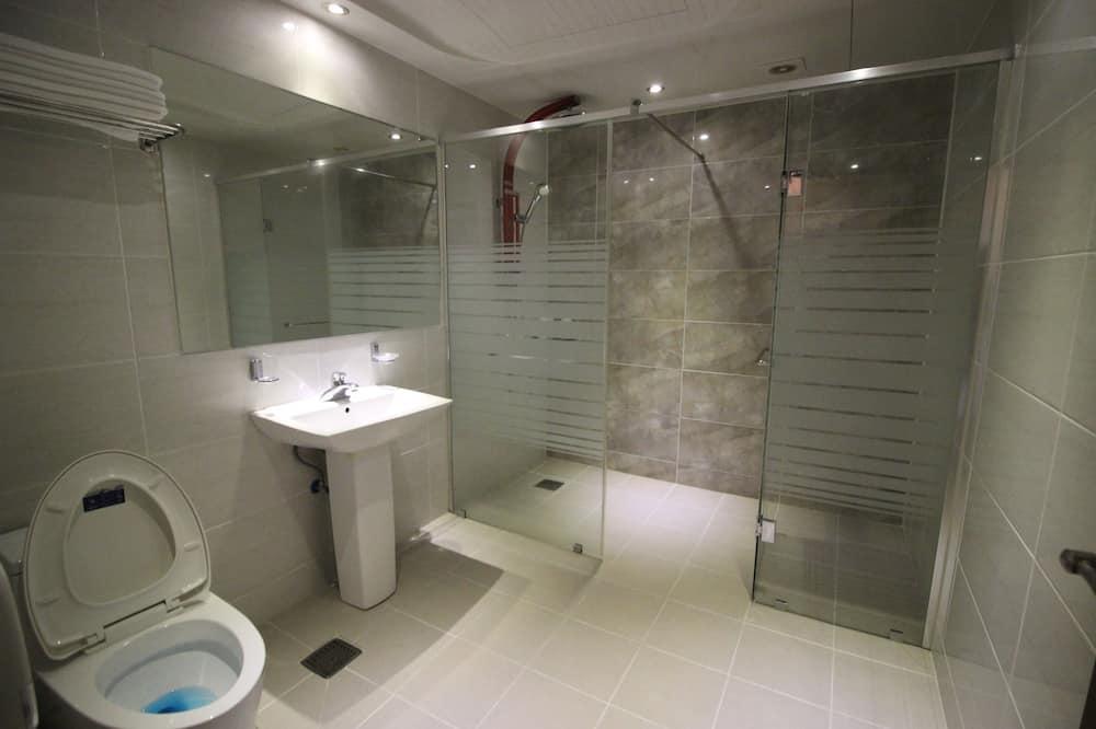 Phòng dành cho gia đình (Grand) - Phòng tắm