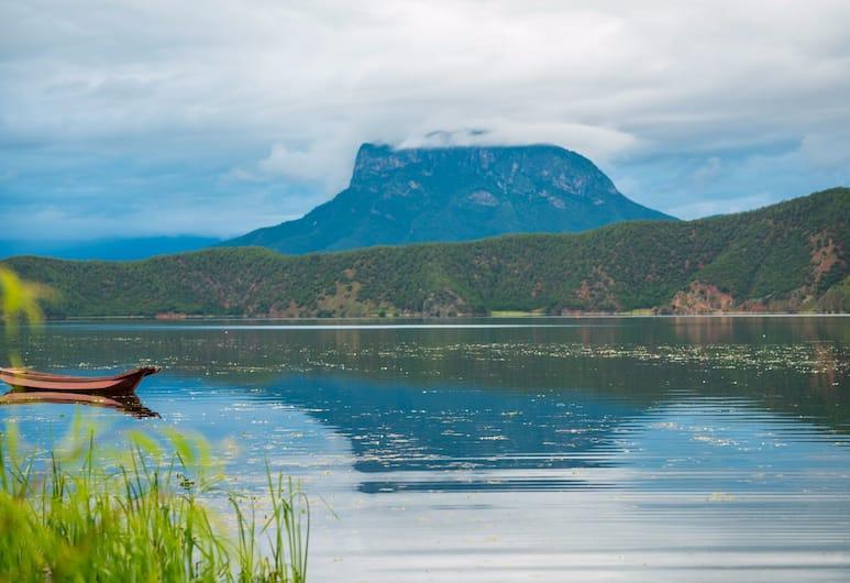 Walden Lugu Lake Zen Retreat, Lijiang, Otelden görünüm