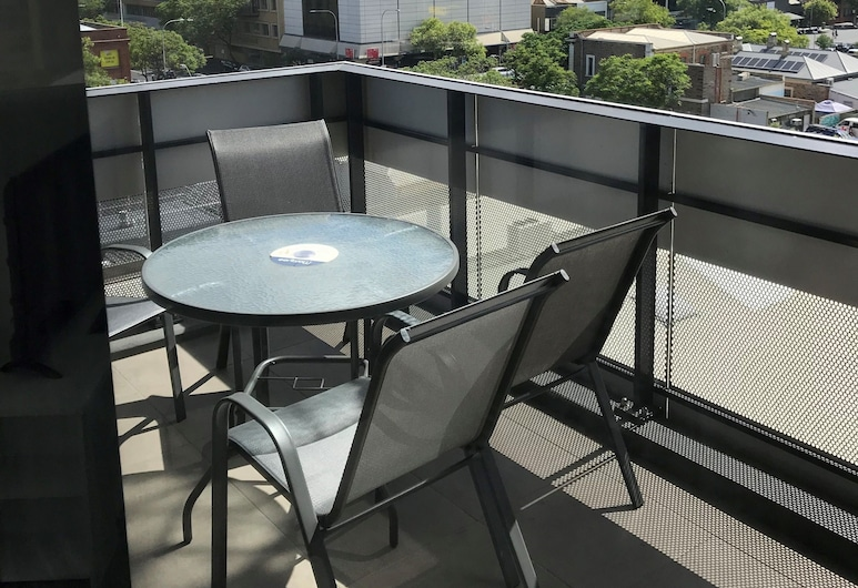 RNR Serviced Apartments Adelaide – Grote St, Adelaida, Restaurante al aire libre