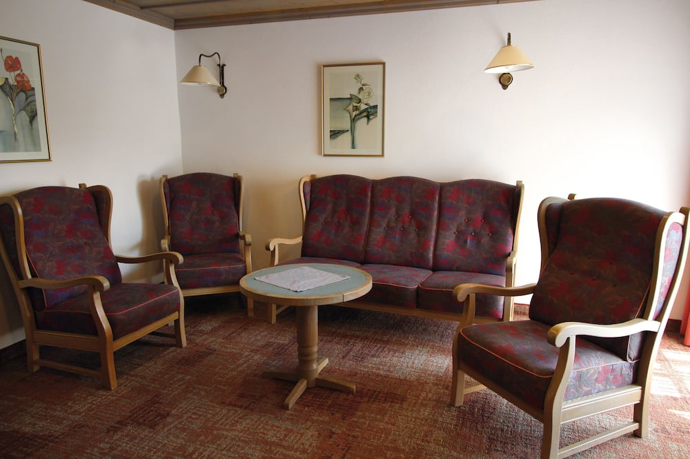Comfort-Doppelzimmer, Balkon - Wohnbereich