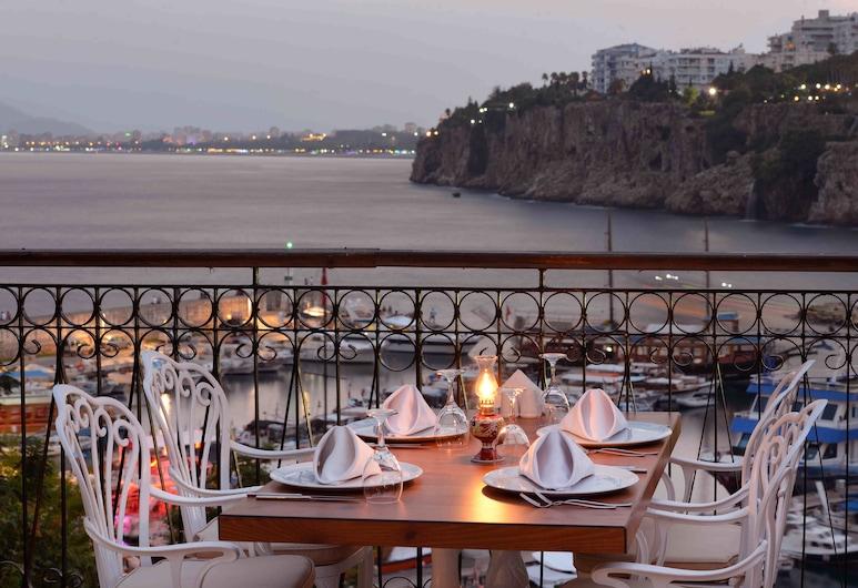 Kaleiçi Marina Boutique Hotel, Antalya, Einestamine vabas õhus