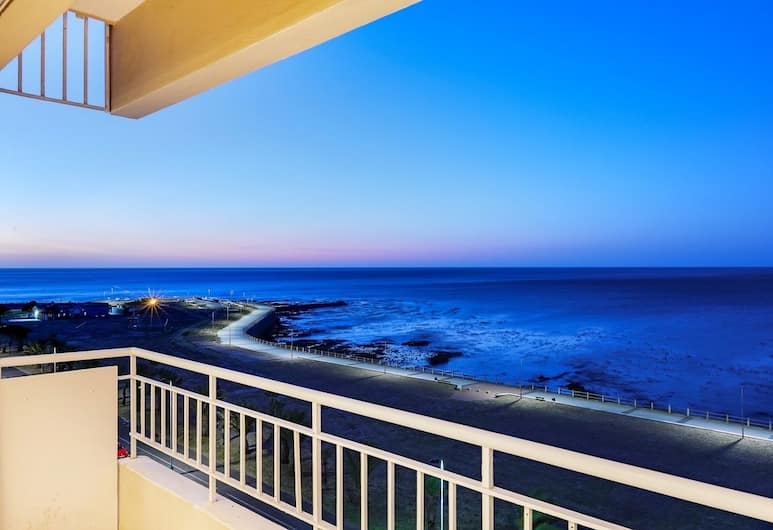 Atlantic Spray, Cape Town, Apartment, 2 Bedrooms, Balcony View