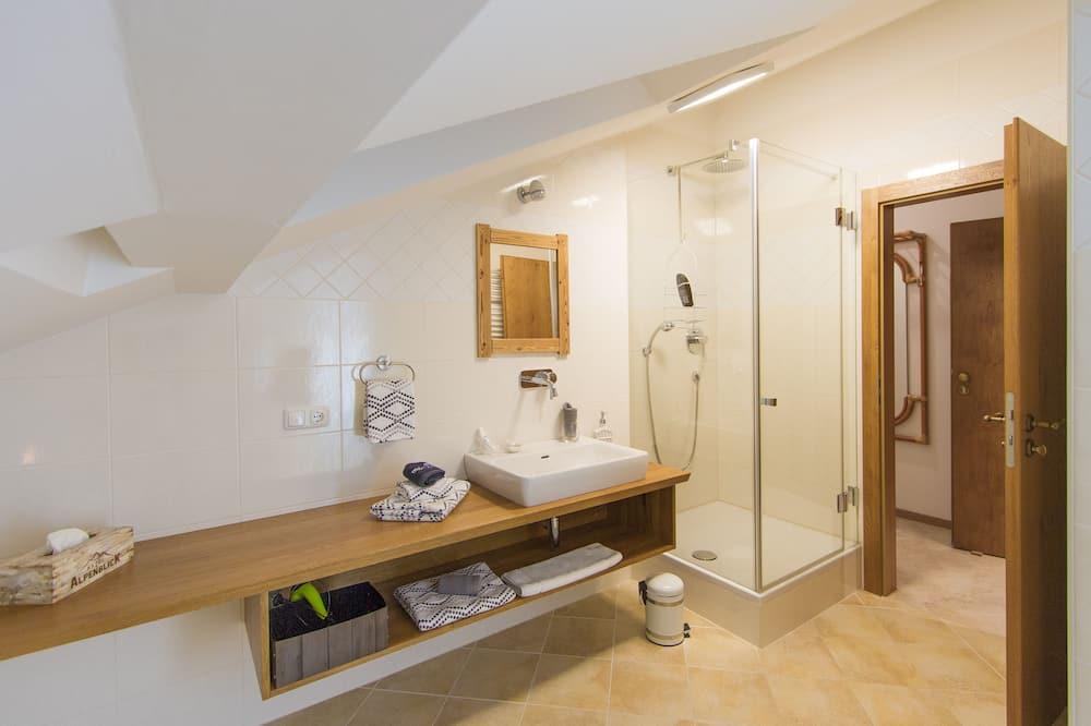 Double Room Single Use (Mansarde) - Bathroom