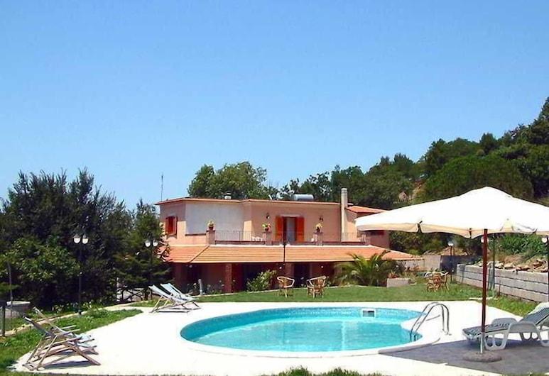 Villa Pietra Alta, Масса-Лубренсе, Вид з готелю