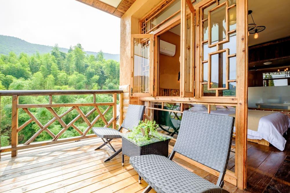 Classic Family Room - Balcony