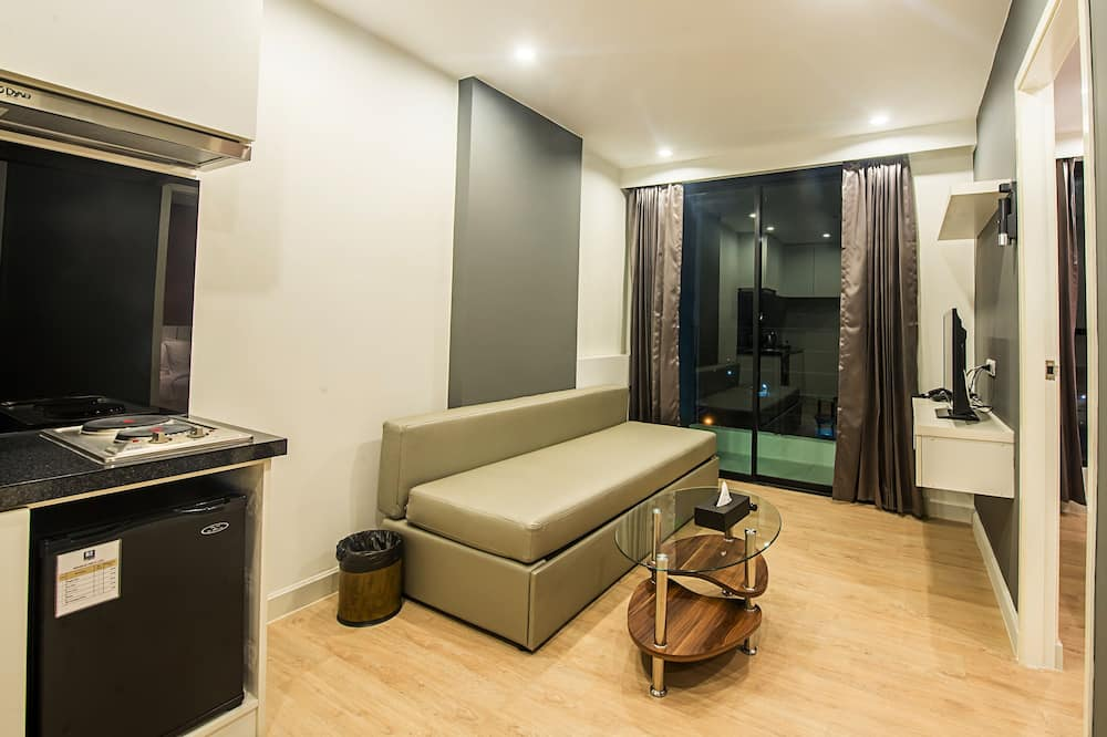Deluxe Pool View Room - Elutuba