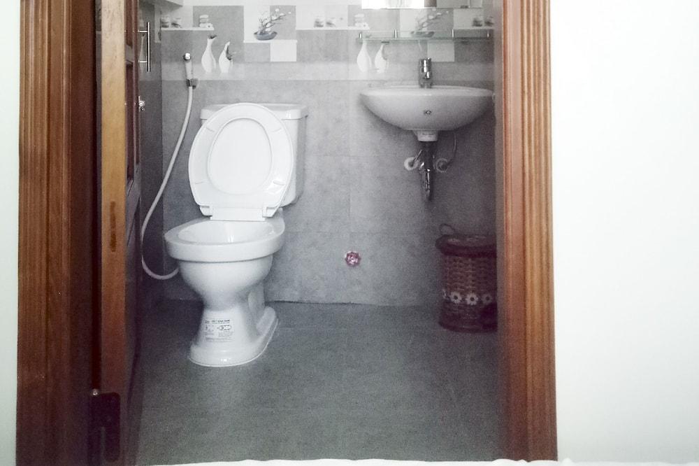Dormitorio condiviso, dormitorio misto - Bagno